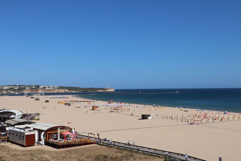 Algarve Praia da Rocha in de Winter.